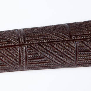 Detail of the shark tooth incised shaft - Exceptional Native Tongan Ironwood War Club