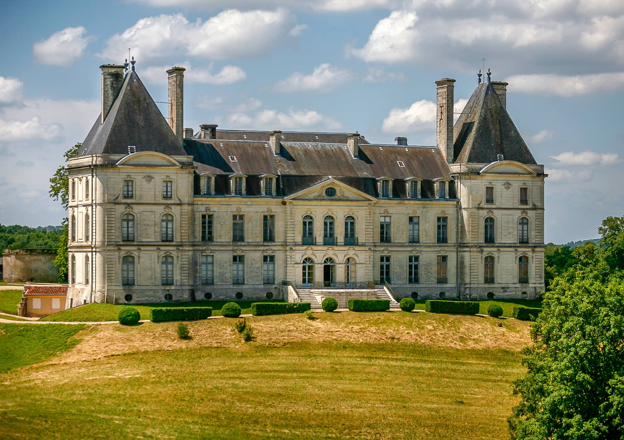 Stunning French chateau for sale in Perigueux Dordogne